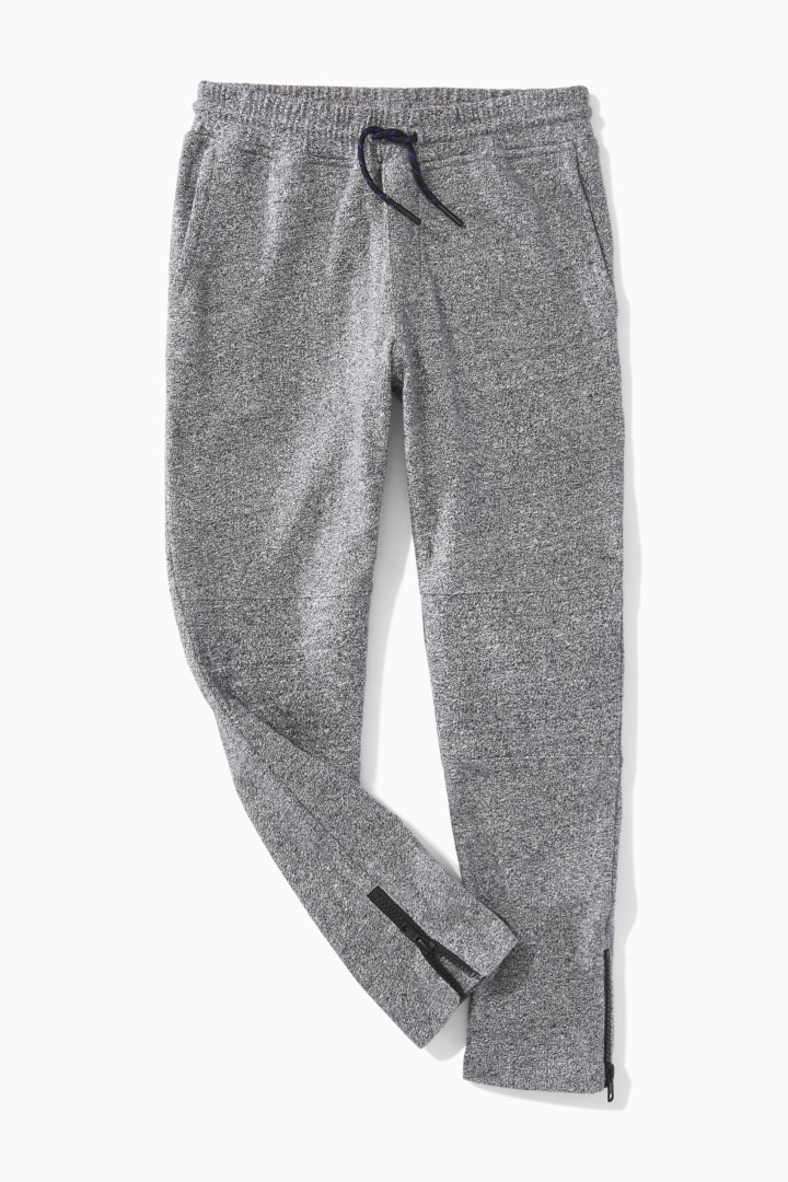 Ankle-Zip Jogger detail