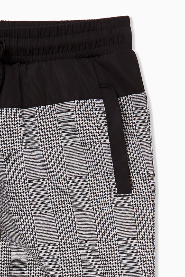 Plaid Street Jogger detail