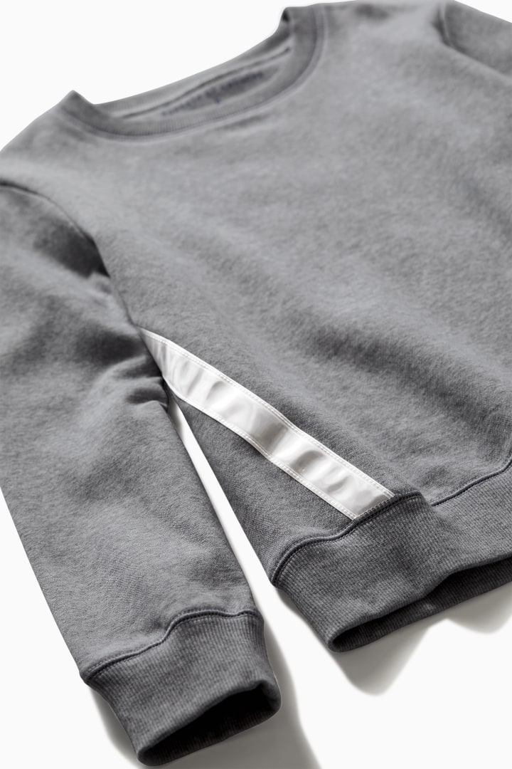 Reflective Cozy Sweatshirt detail
