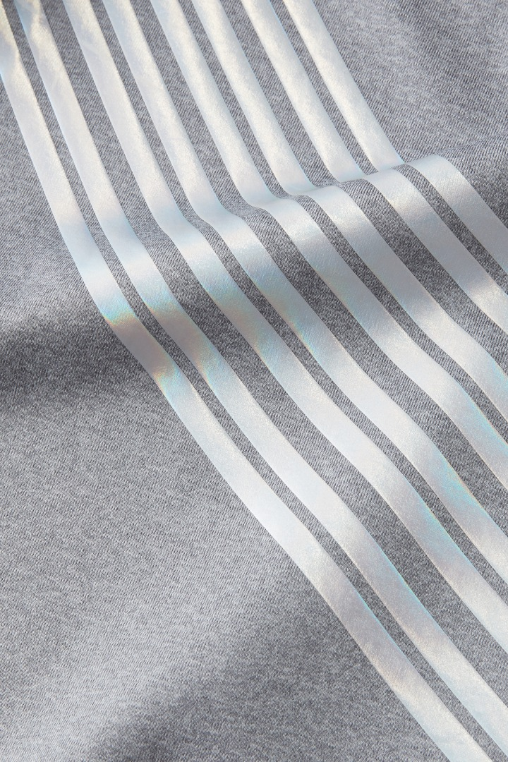 Iridescent Stripe X-Back Active Tee  detail
