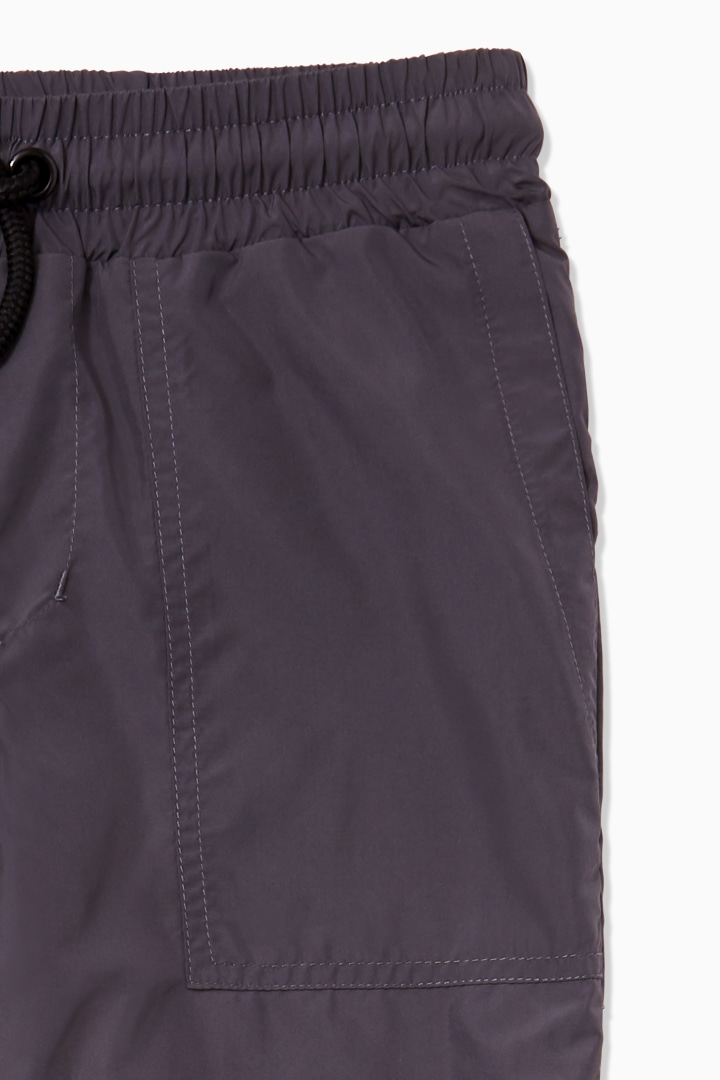 Lined Windbreaker Active Pant detail