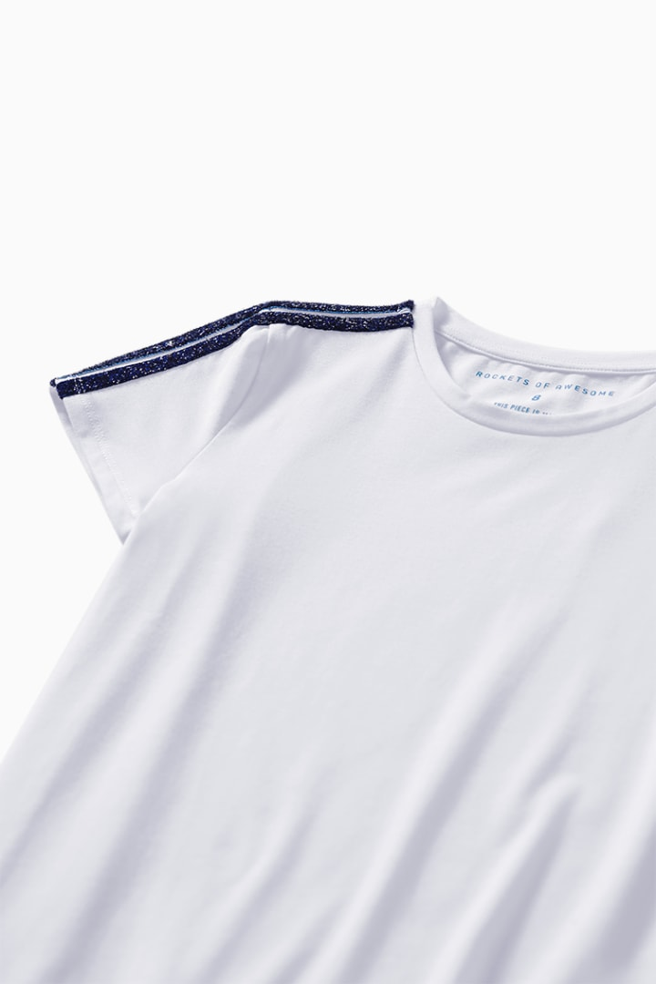 Bold Shoulder Tee detail