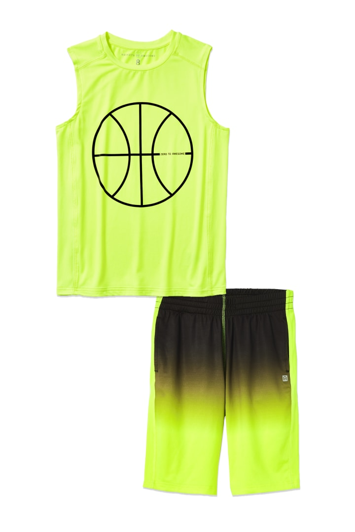 Ombre Active Short on model