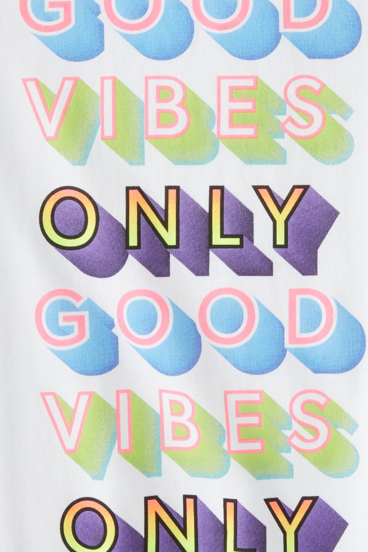 Good Vibes Only Tee detail